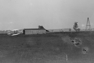 1905 Wright Shed & Derrick Photo