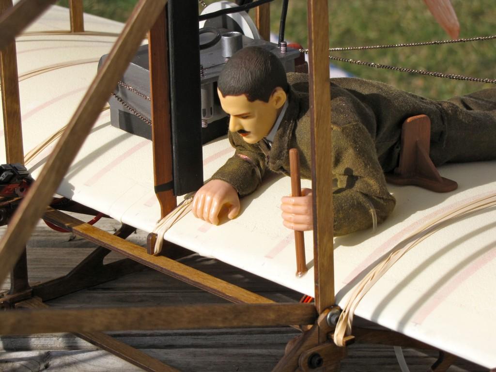 Pilot Front Detail