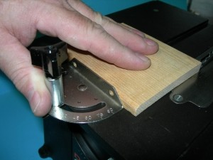 Dremel Table Saw Miter Gauge Knob Kit - Product Image