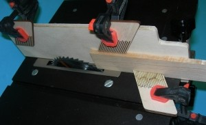 """Micro Table Saw Feather Board 1/4"""" - Product Image"""