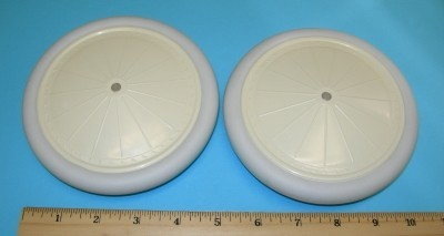 "Williams Bros. Vintage-II 5-1/4"" Diameter, Antique Linen Hub, White Tyre, 1 Pair - Product Image"